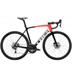 Vélo course carbon TREK 2021 Emonda SL 6 Pro rouge et noir décor blanc