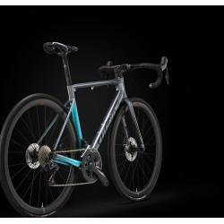 Vélo course 700 carbon WILIER 2021 Zéro SL Disc gris bleu décor noir et blanc